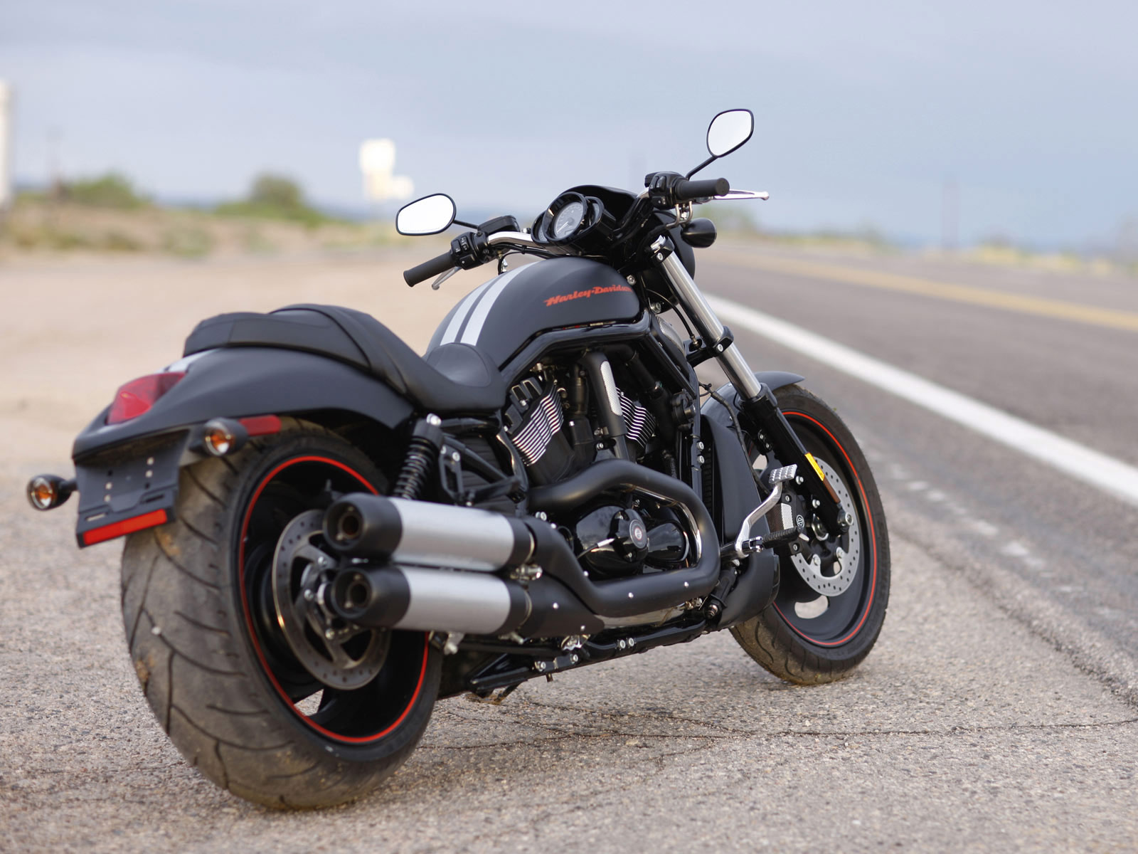 Compare a harley davidson v rod muscle vrscf 2009 a 2017 com outra - Compare A Harley Davidson V Rod Vrscdx Night Rod Special 2007 A 2018 Com Outra Moto